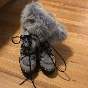 Stuart Weitzman size 7 heeled blue fur boots